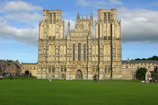 Wells - Westfassade der Kathedrale