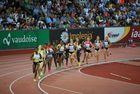 """Weltklasse Zürich 2013 - 5000 m Frauen - noch sind sie """"aufgereiht"""""""