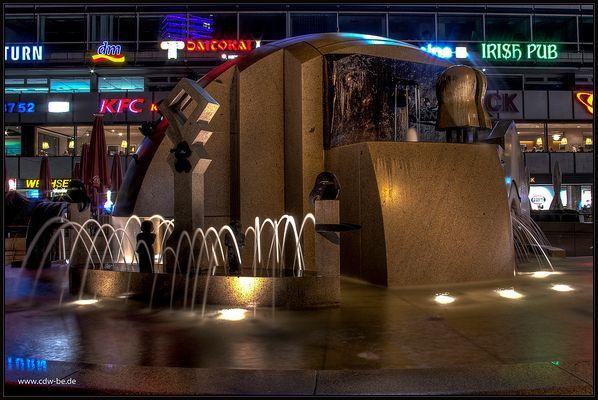 weltkugelbrunnen am breitscheidplatz