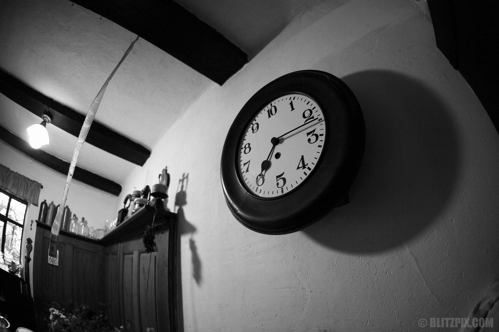 """""""Wem die Stunde schlägt"""""""