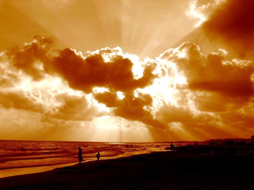Wenn Abendlicht durch Wolken bricht...
