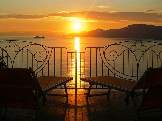 ...Wenn die Sonne bei Capri untergeht...