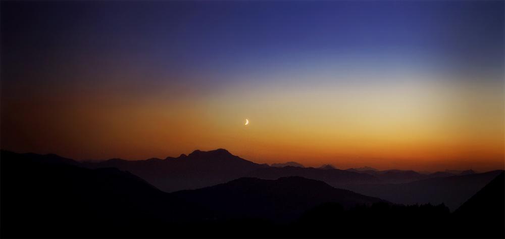 Wenn die Sonne unter- und der Mond aufgeht