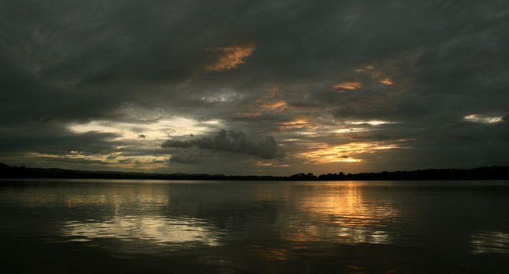 ... wenn es dunkel wird im Orinoco Delta