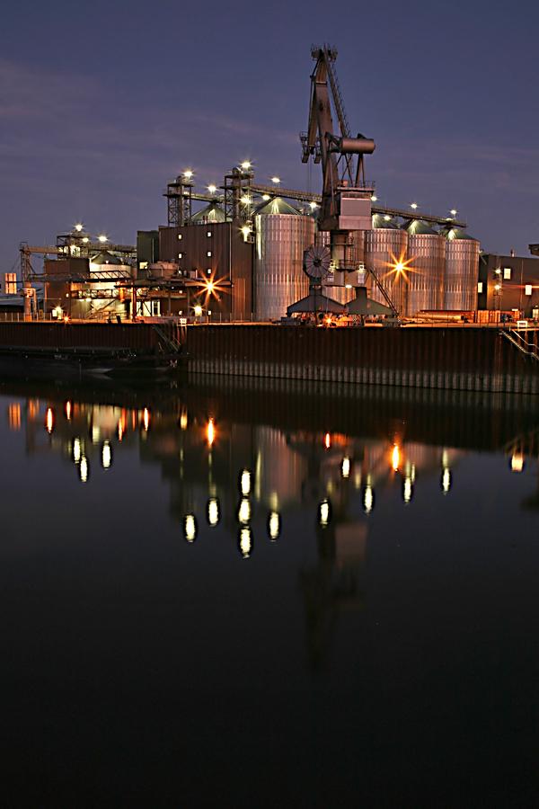 Wenn im Hafen die Lichter angehen......