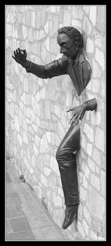 Wenn man gegen eine Wand spricht...