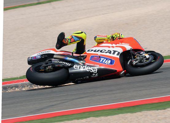 Wenn Rossi stürzt fliegen die Pfunken!