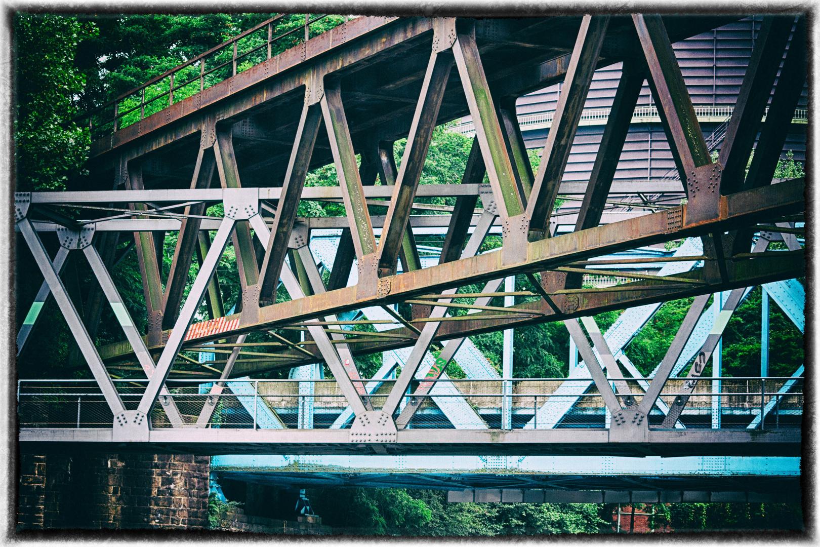 Wenn sich Brücken kreuzen