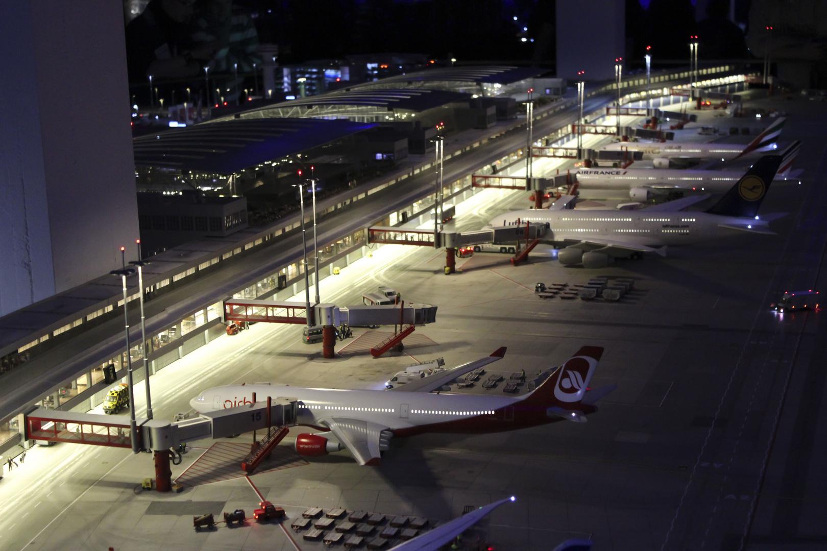 Wenn's Nacht wird am neuen Flughafen....