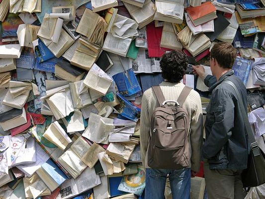 Wer in der Zukunft lesen will, muss in der Vergangenheit blättern. (Andrè Malraux)