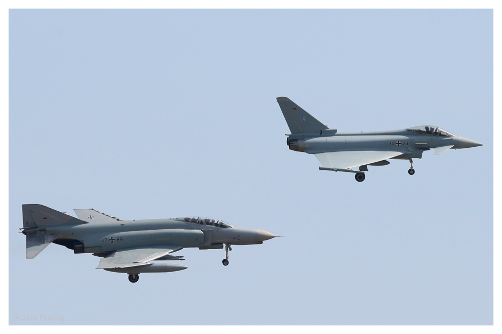 Wer ist stärker F4 oder Eurofighter :-)