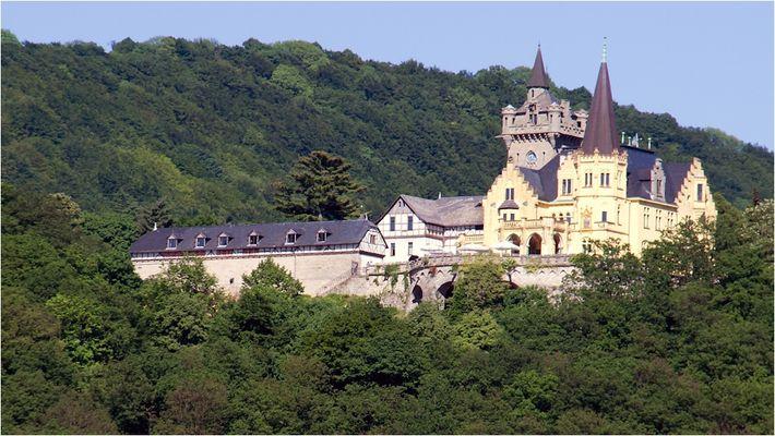 Wer kennt dieses Schloss ???
