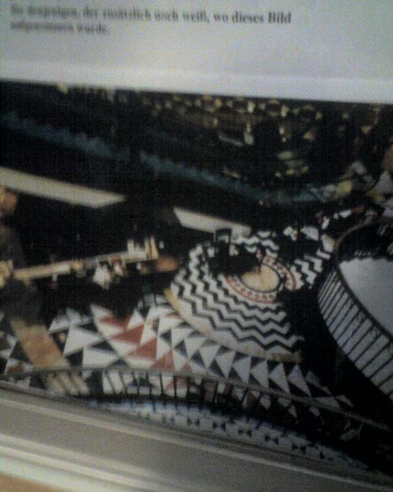 Wer weiß wo dieses Bild hängt/aufgenommen wurde?