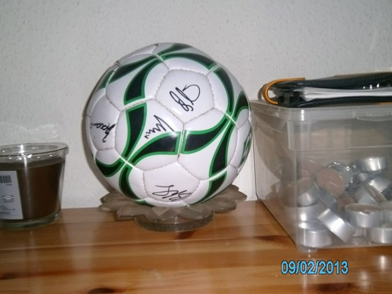 Werder Bremen Ball mit Unterschrieften