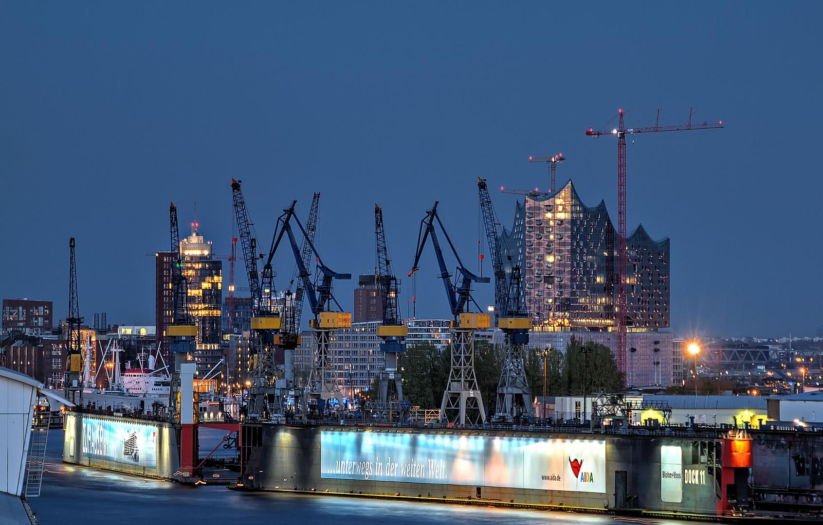 - - Werft - -