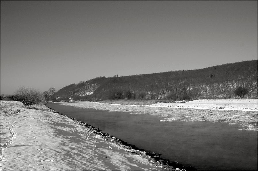 Weser - halb zugefroren