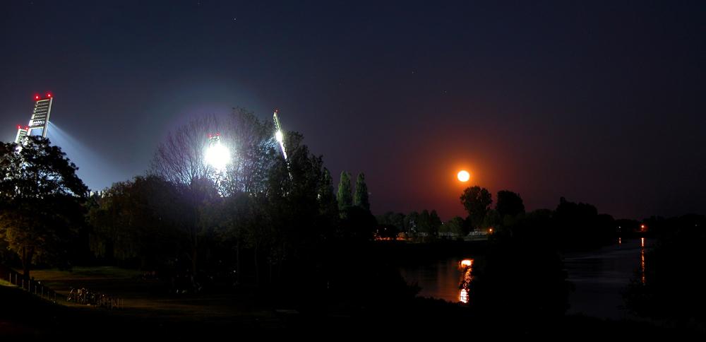 Weser Stadion bei Nacht
