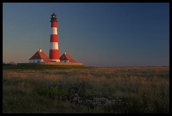 Westerhever Leuchtturm im Sonnenuntergang