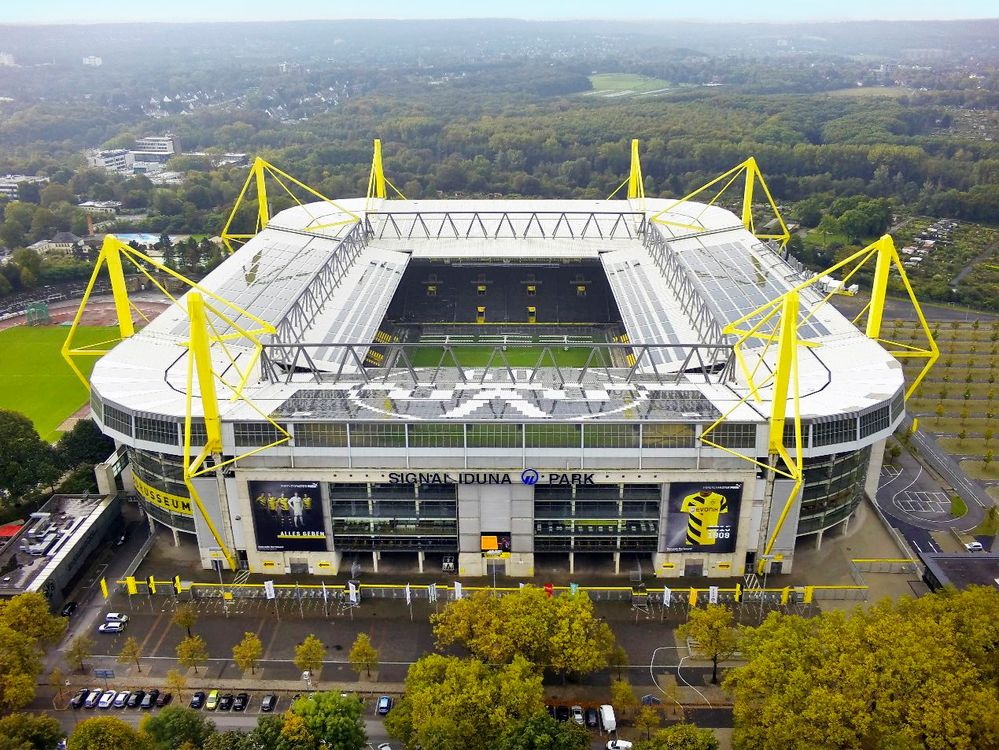 westfalenstadion signal iduna park borussia dortmund sep 2014 drohne foto bild techniken. Black Bedroom Furniture Sets. Home Design Ideas