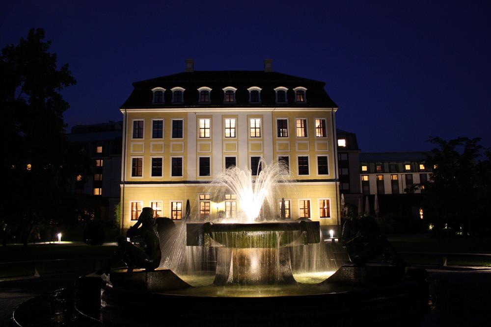 westin bellevue in dresden foto bild architektur architektur bei nacht motive bilder auf. Black Bedroom Furniture Sets. Home Design Ideas