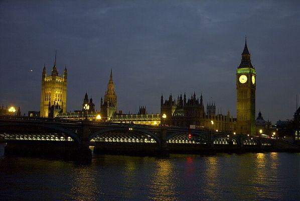 Westminster bei Nacht