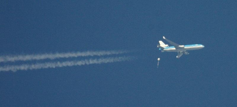 Wetterballon trifft Flugzeug