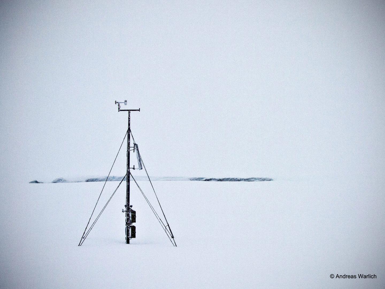 Wetterstation im Schnee