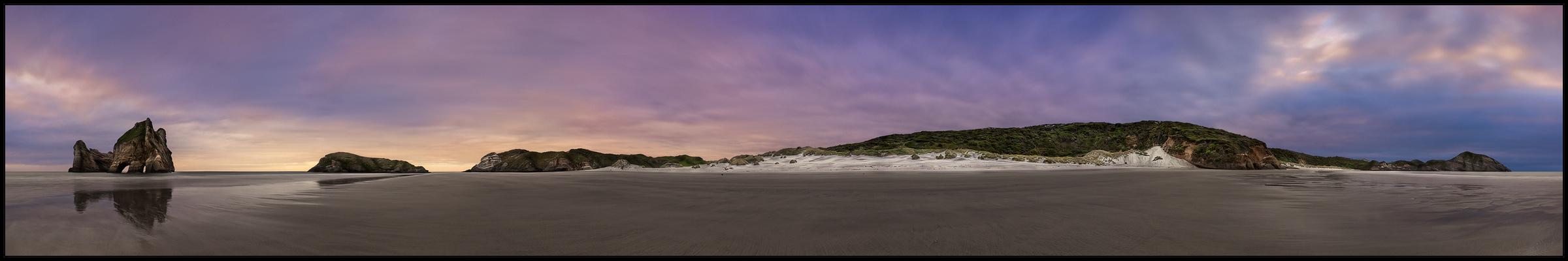 Wharariki Beach . reload