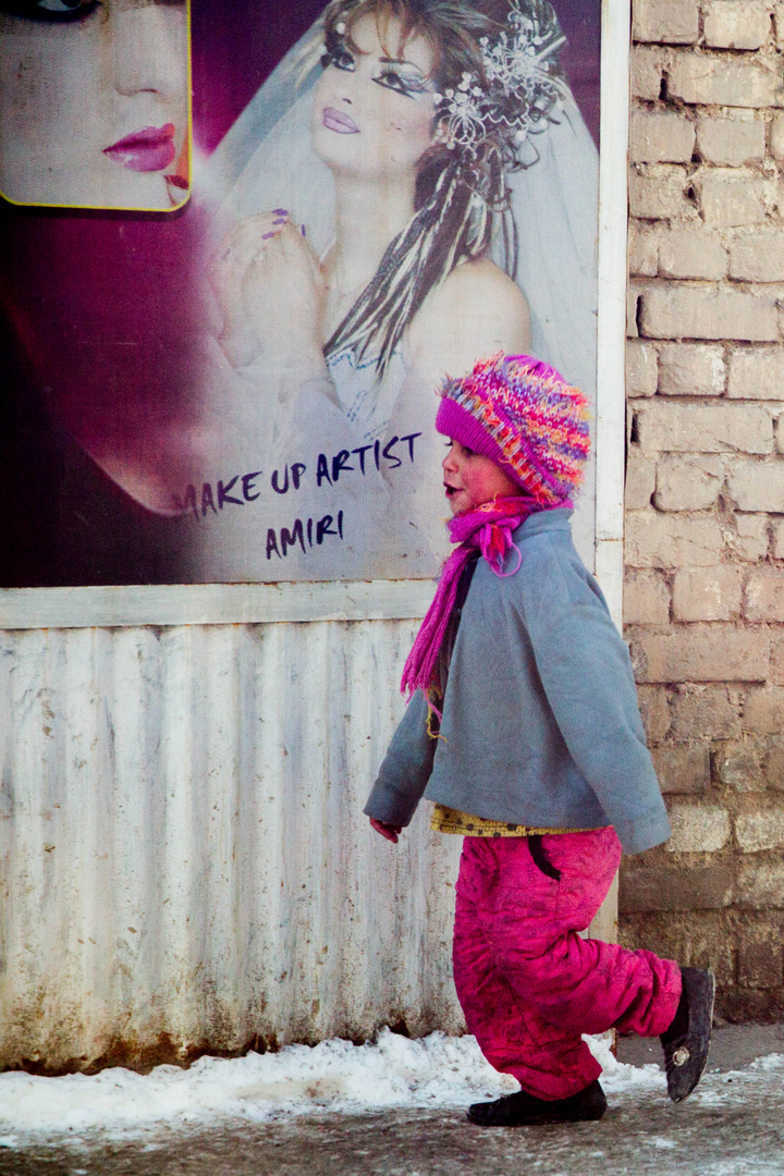 What a beautiful day - Little Girl walking in the streets of Kabul
