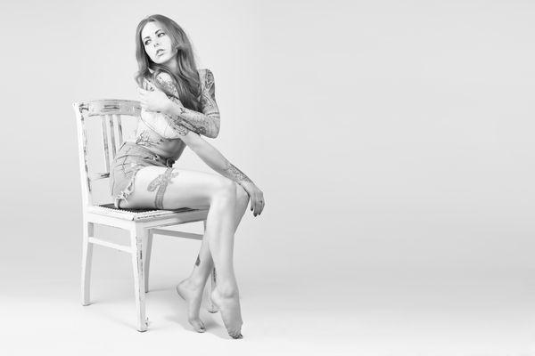 ..::white chair::..