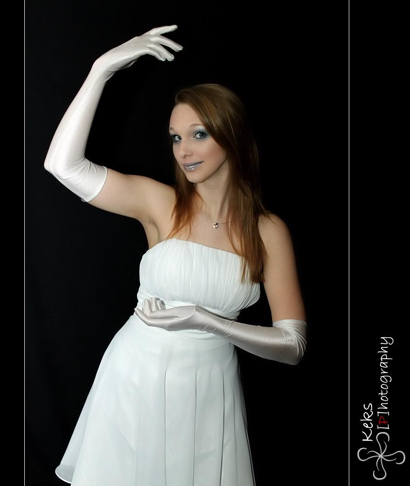 White Dancing Queen