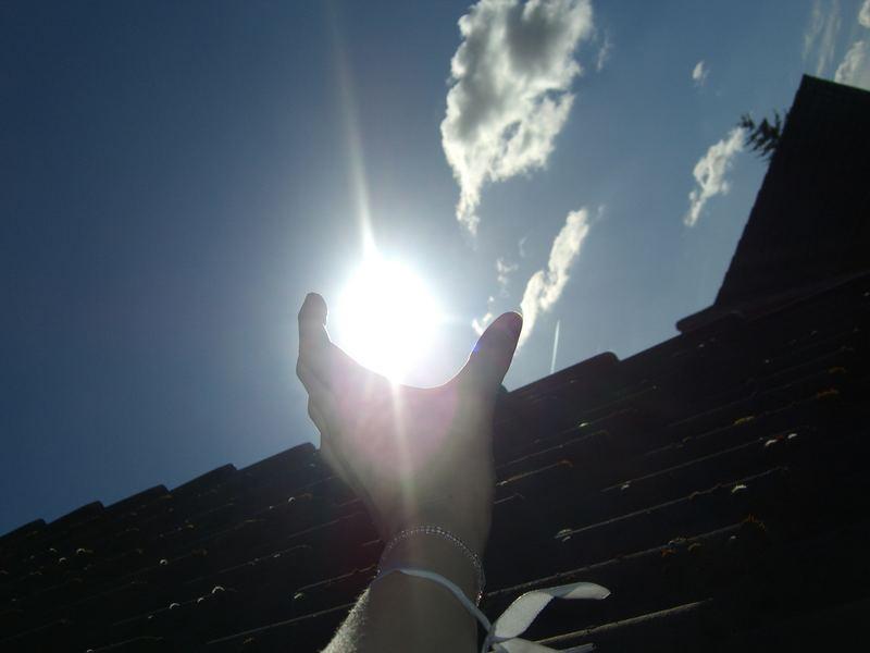 WHITE hole sun