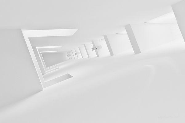 white room *