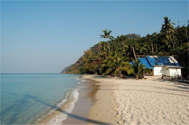 White Sand Beach - der belebteste Strand von Koh Chang