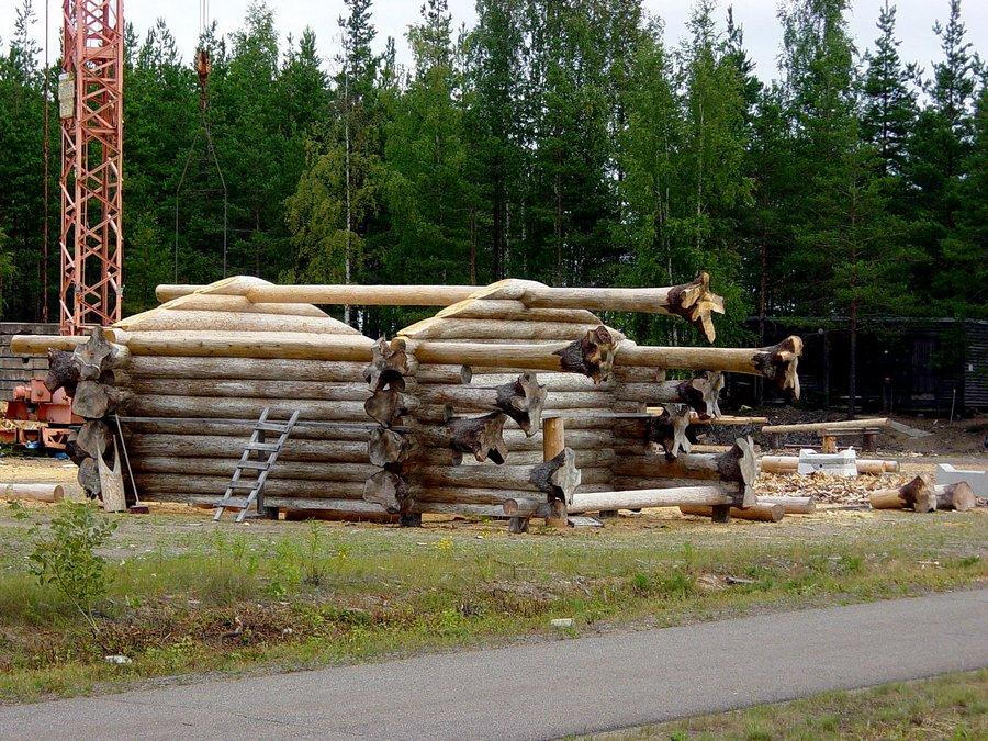 Wie die Finnen Häuser bauen.....