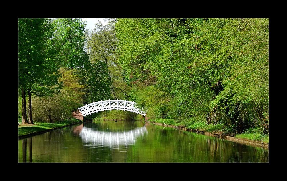 ...wie hieß das ding nochmal?.....lügenbrücke??....