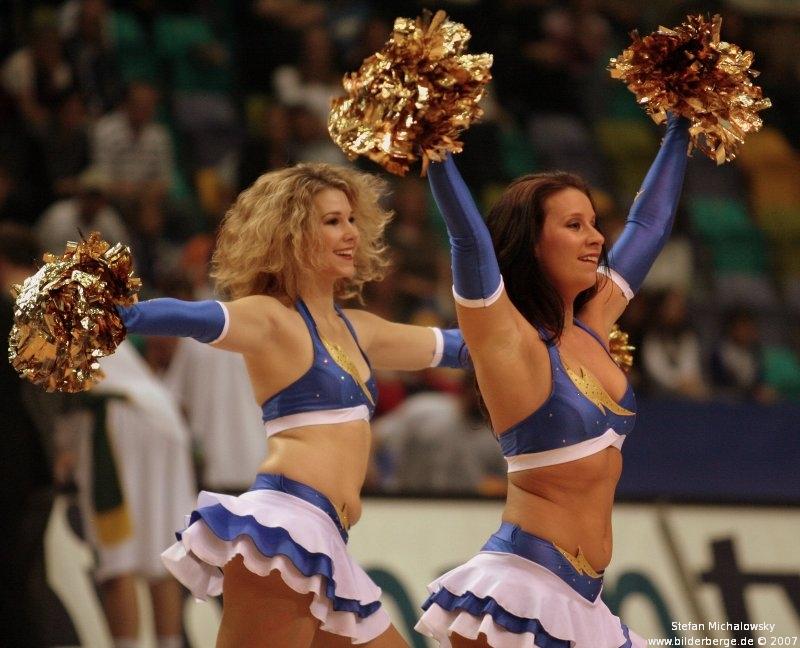 wieder mal ein paar Cheerleader