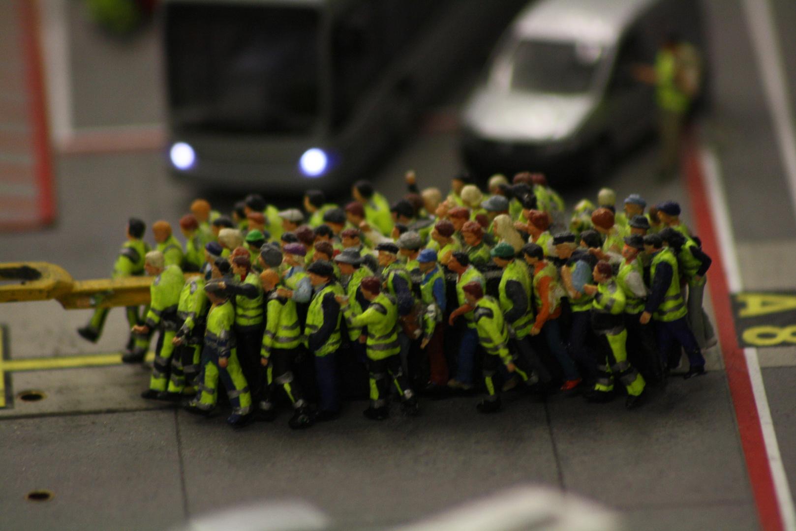 Wieder Warnstreiks am Flughafen - wie viele Flüge werden ausfallen?