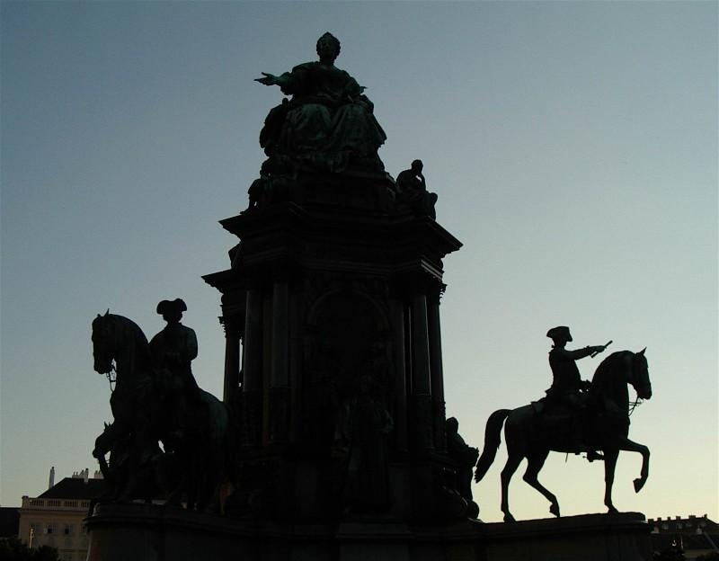 Wien – Denkmal Maria-Theresia mit Reiterstandbild