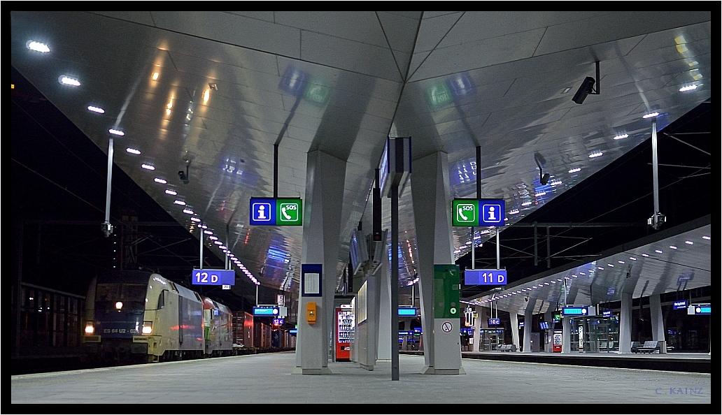 Wien Hauptbahnhof At Night