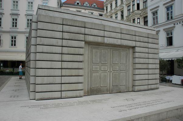 Wien Judenplatz: Holocaust-Denkmal von Rachel Whiteread