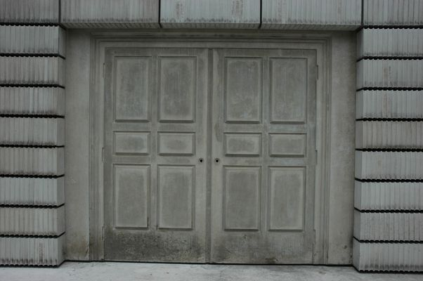 Wien Judenplatz: Holocaust-Denkmal von Rachel Whiteread (Detail 2)