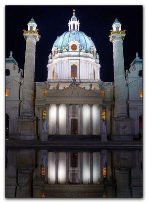 Wien, Karlskirche bei Nacht