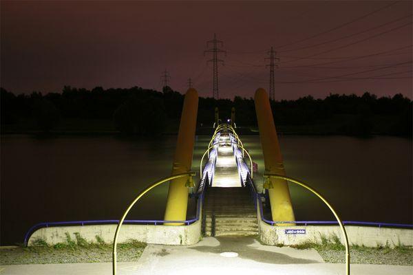 Wiener Donau Insel bei nacht