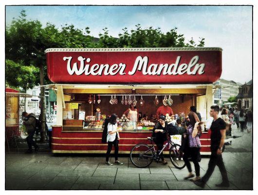 Wiener Mandeln