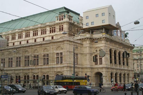 Wiener Oper mit Besucher