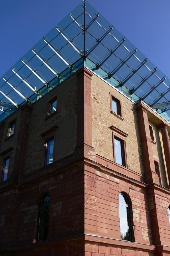 Wiesbadener Jagdschloss nach dem Umbau