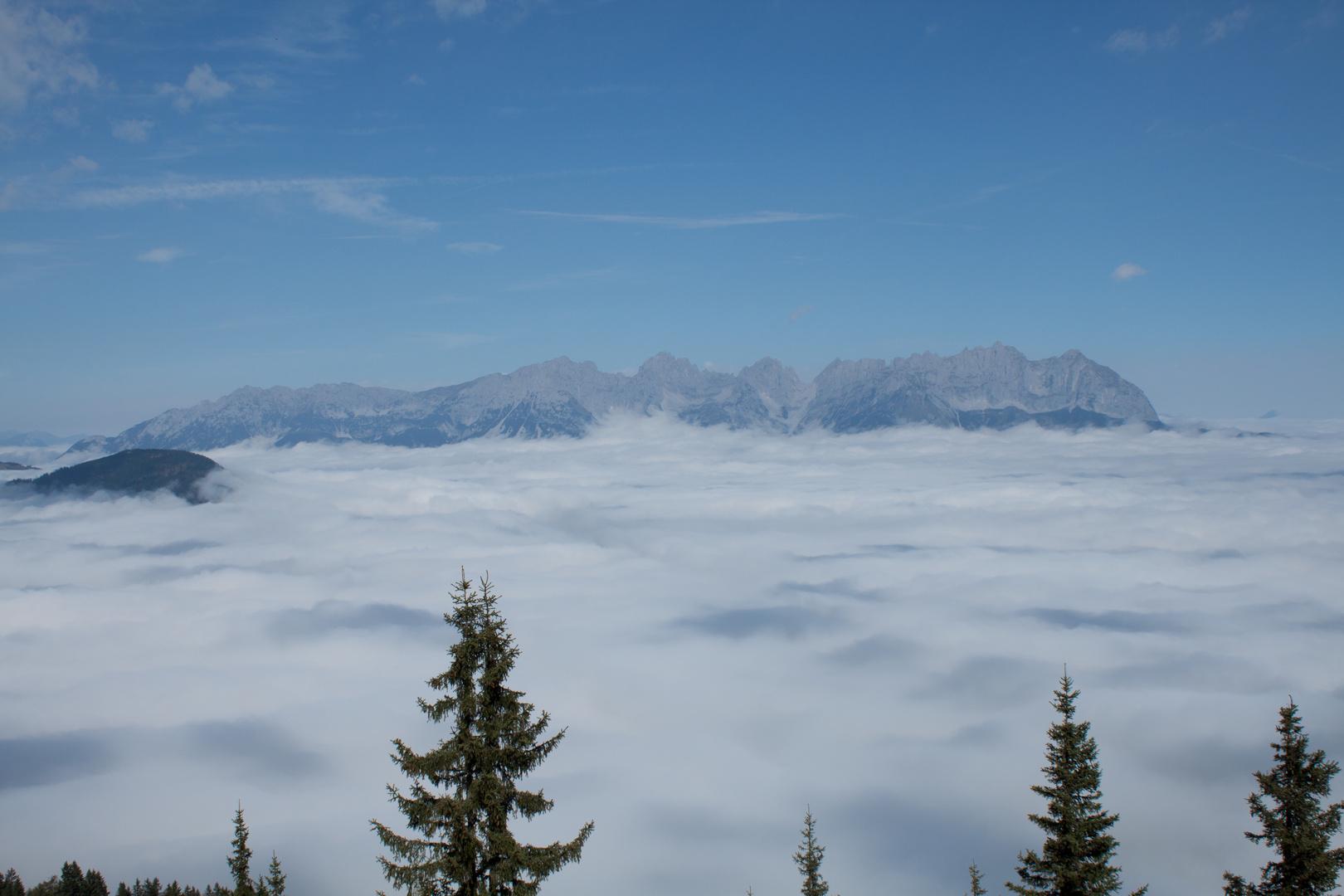 Wilder Kaiser im Nebel