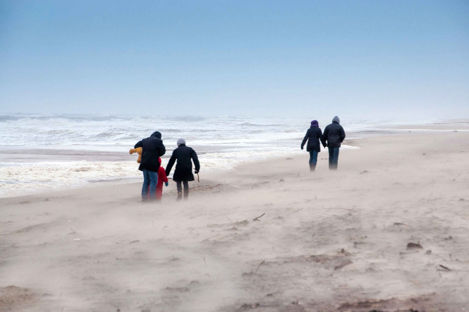 windigr Tag am Strand