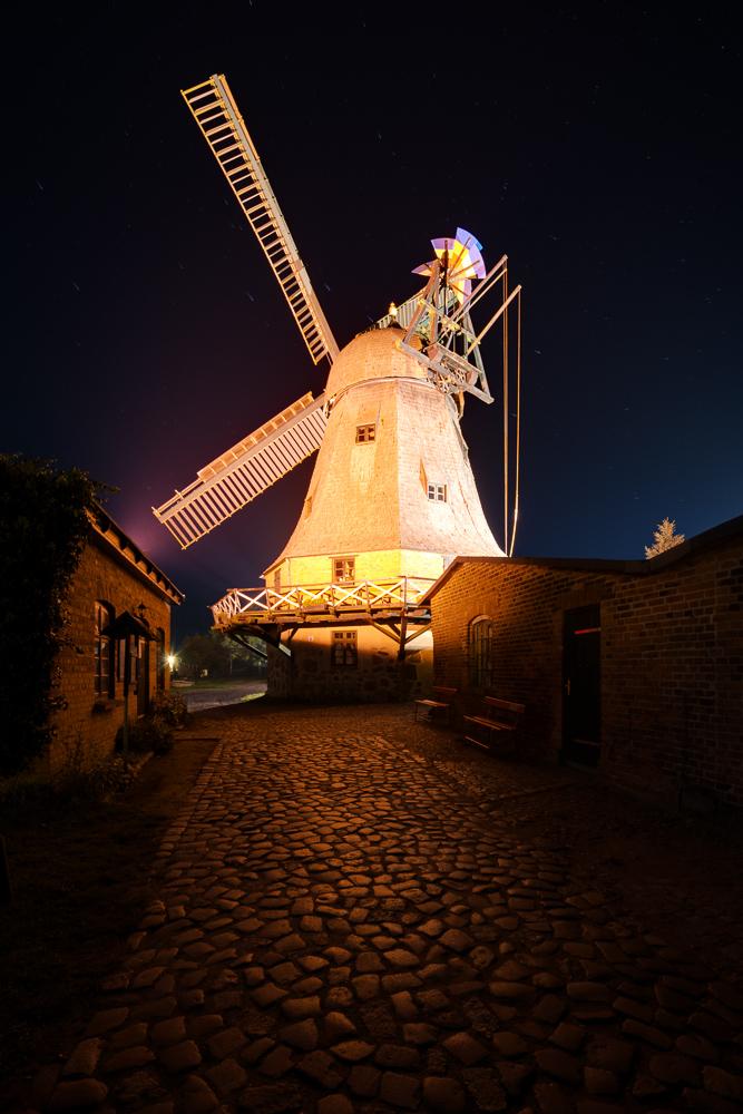 Windmühle Malchow bei Nacht
